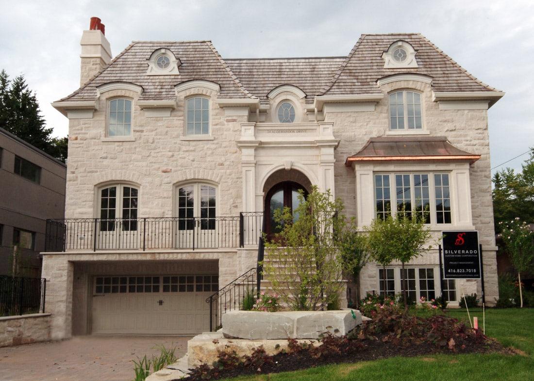 Silverado custom homes alderbrook drive york mills for Luxury home descriptions